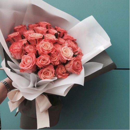 Купить на заказ Букет из 31 розовой розы с доставкой в Сатпаеве