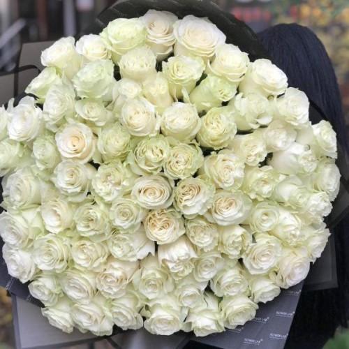 Купить на заказ Букет из 75 белых роз с доставкой в Сатпаеве