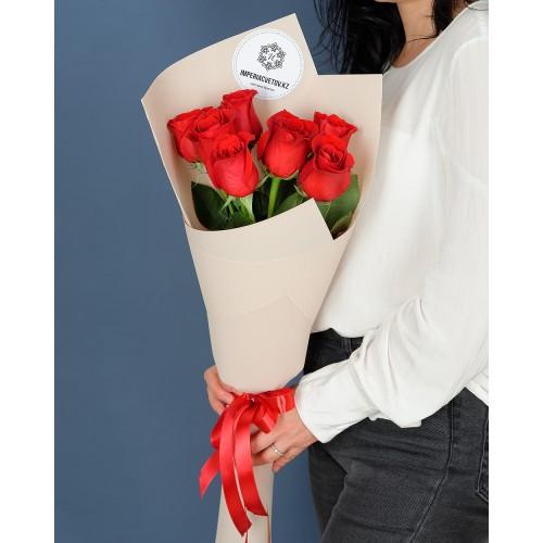 Купить на заказ Букет из 7 роз с доставкой в Сатпаеве