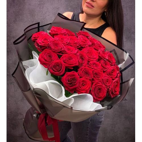 Купить на заказ Букет из 35 красных роз с доставкой в Сатпаеве