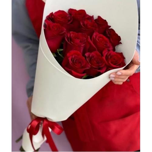 Купить на заказ Букет из 11 красных роз с доставкой в Сатпаеве
