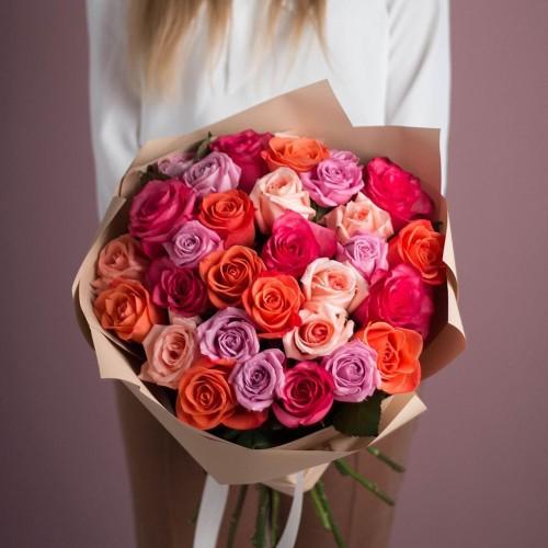 Купить на заказ Букет из 25 роз (микс) с доставкой в Сатпаеве