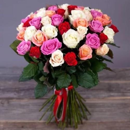 Купить на заказ Букет из 31 розы (микс) с доставкой в Сатпаеве